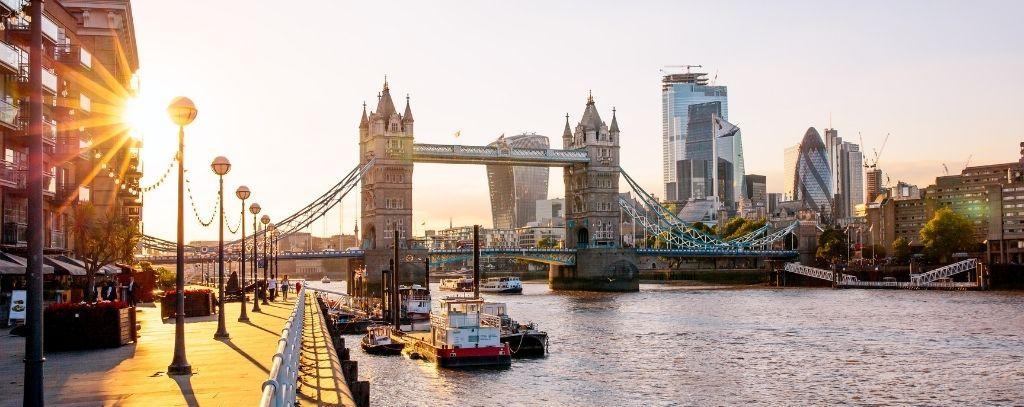 waterside restaurants in London