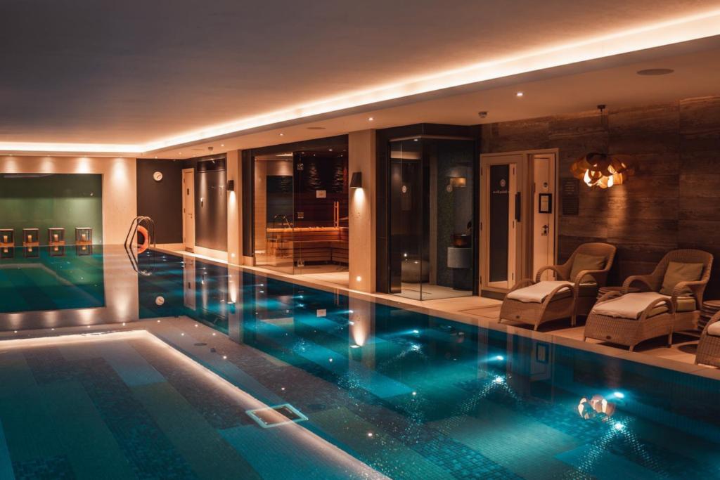 Spa pool, Dormy House