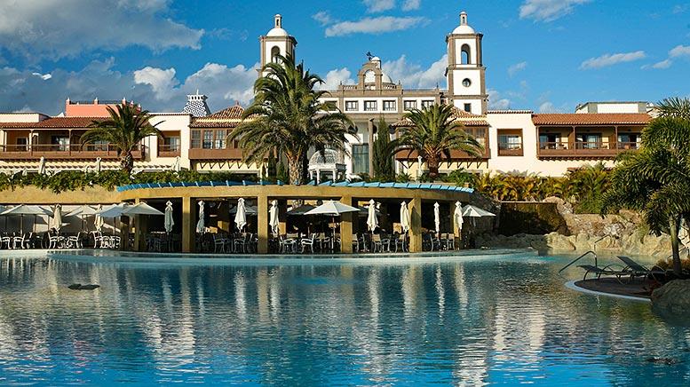 Poolside at Lopesan Villa del Conde