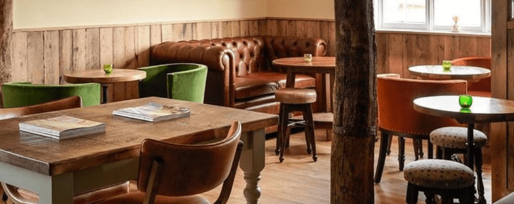 Country pub - Fox and Hounds